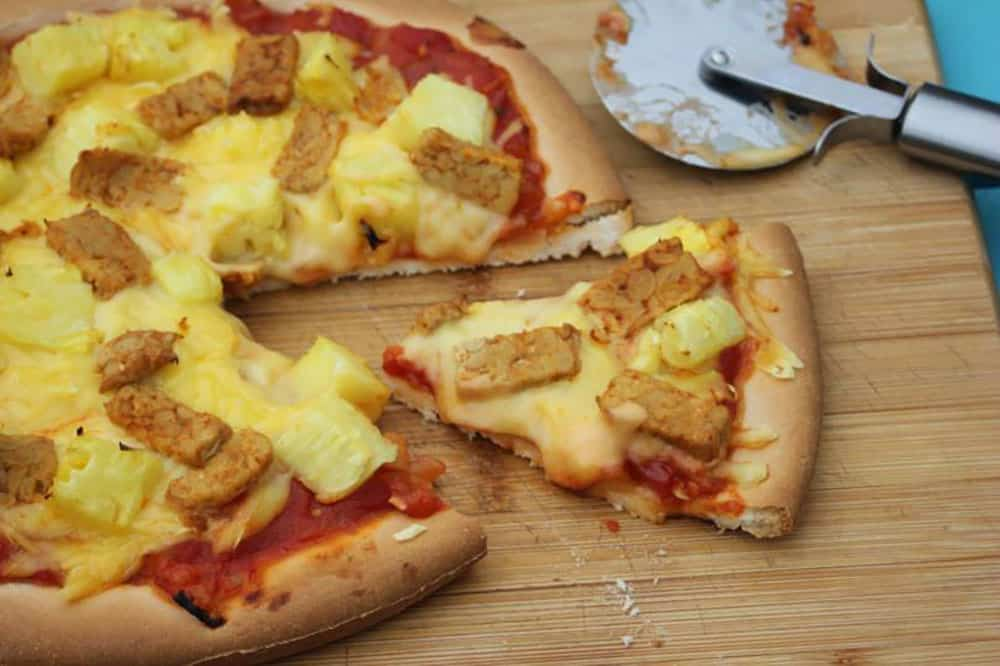 Ten Toppings That End Up Giving You A Delicious Vegan Pizza